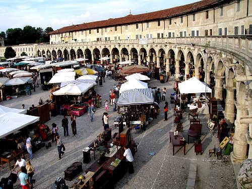 Piazzola sul brenta mercatino dell 39 antiquariato for Mercatini padova